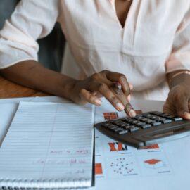 Jak obliczyć zaliczkę na podatek dochodowy?